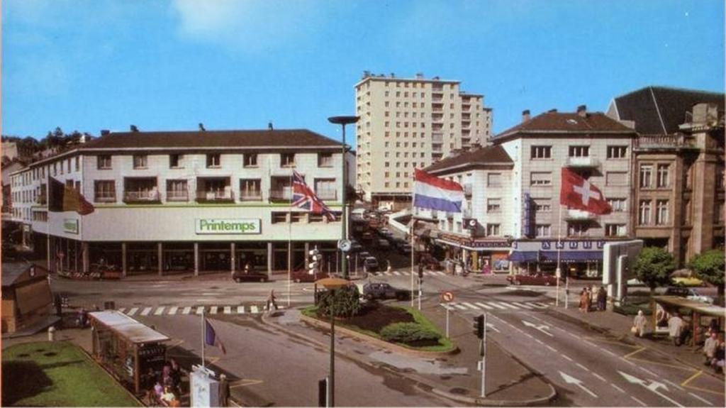 Le centre commercial des 4 nations transvosges - Piscine municipale troyes ...