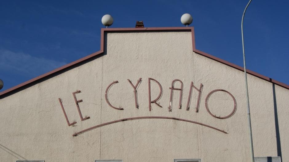 L'ancien cinéma Le Cyrano qui a fermé ses portes en 2006.