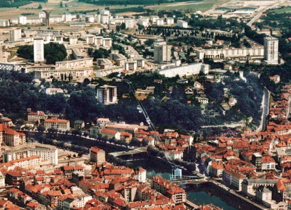 Projet de téléphérique en 1987. (Projet des architectes Hennin Normier).