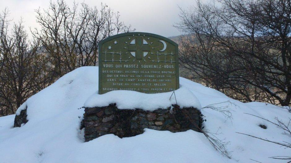 Plaque commémorative au pied du col de Bussang le 25/01/2013.