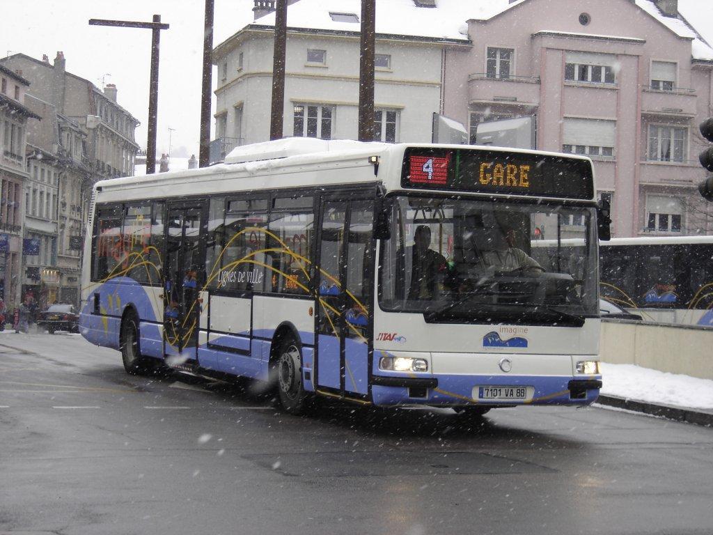 Irisbus Agora S n° 101 - Page 3 Dsc02045