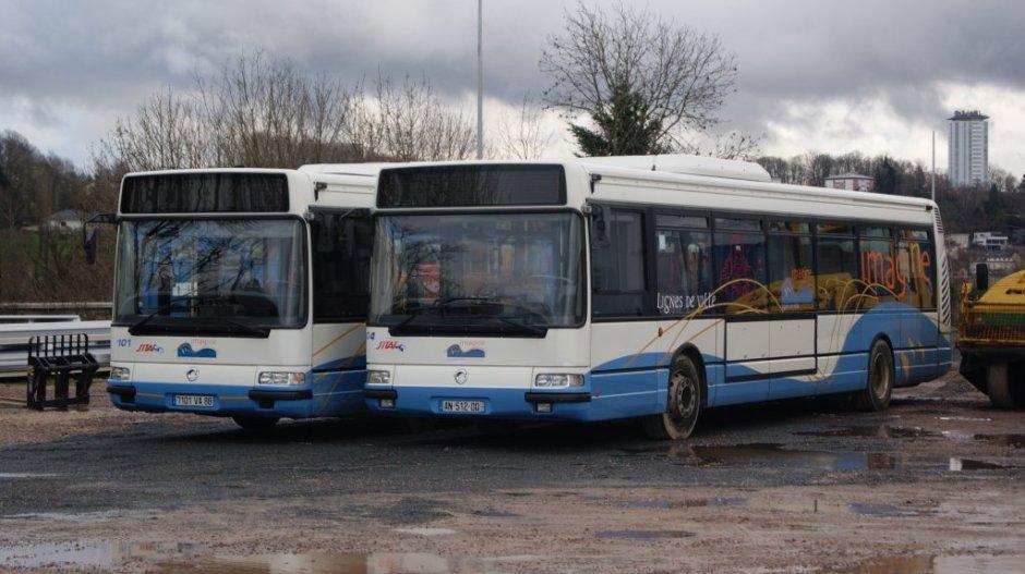 Le 101 et le 104 au dépôt le 16/12/2012.