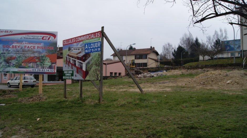 Cellules commerciales en projet au Saut-le-Cerf.