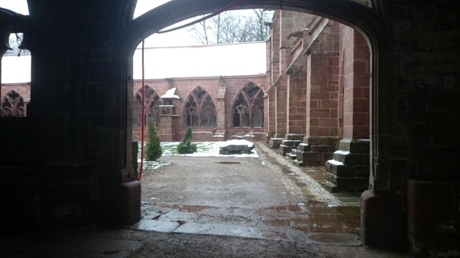Le cloître de la Cathédrale de Saint-Dié-des-Vosges.