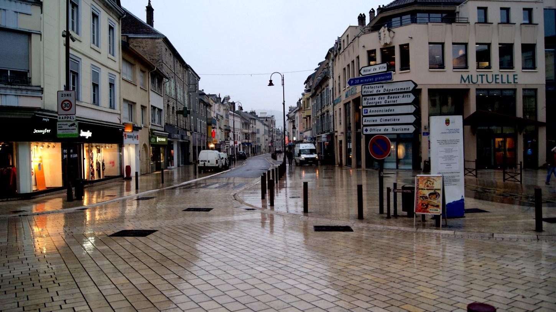 Les rues commer antes du centre ville de vesoul transvosges for Piscine rue de pontoise
