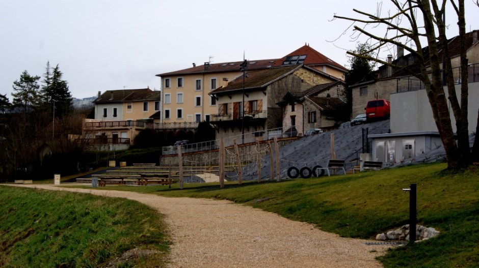 Aménagements paysagers à Seyssel.