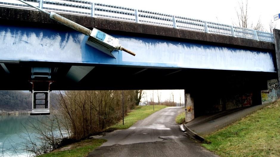 Le pont à haubans de Seyssel.