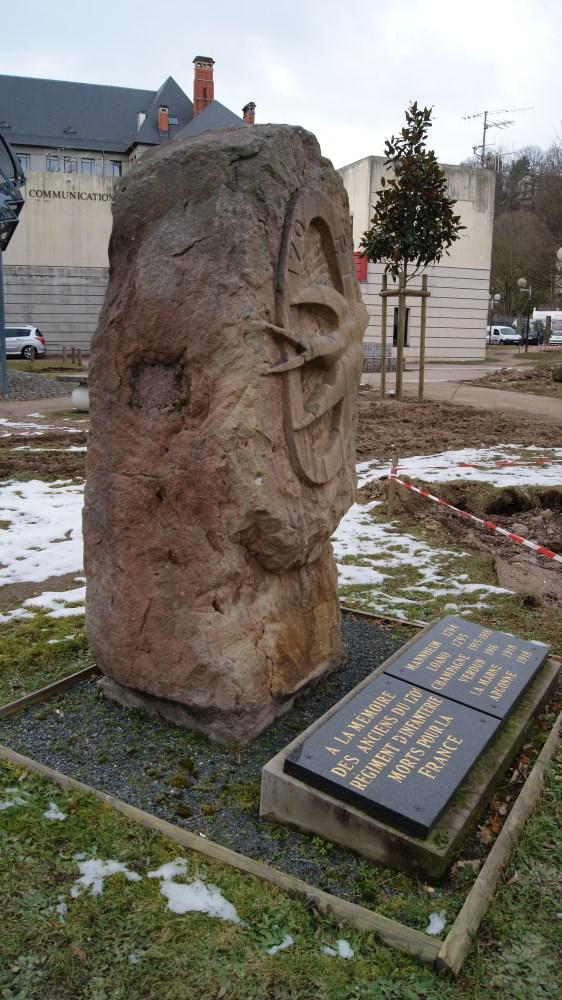 Le monument à la mémoire des anciens du 170 R.I.