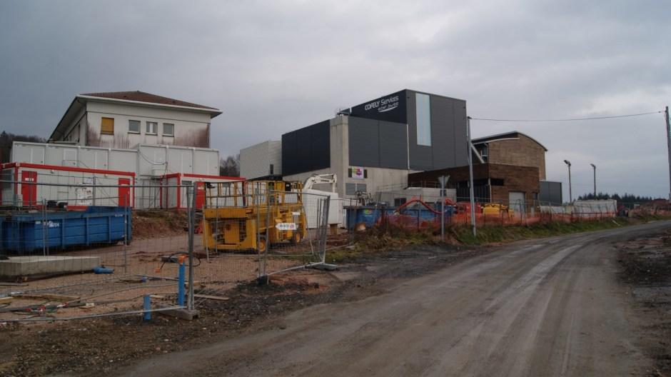 La nouvelle chaufferie biomasse d'Epinal en cours de finition.