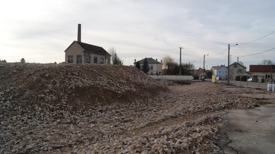 Démolition de l'ancienne usine Victor Perrin d'Uxegney.