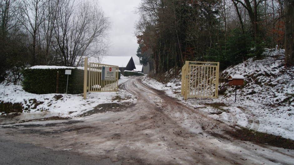 Aménagement d'une voie d'accès dans la carrière de Trapp.