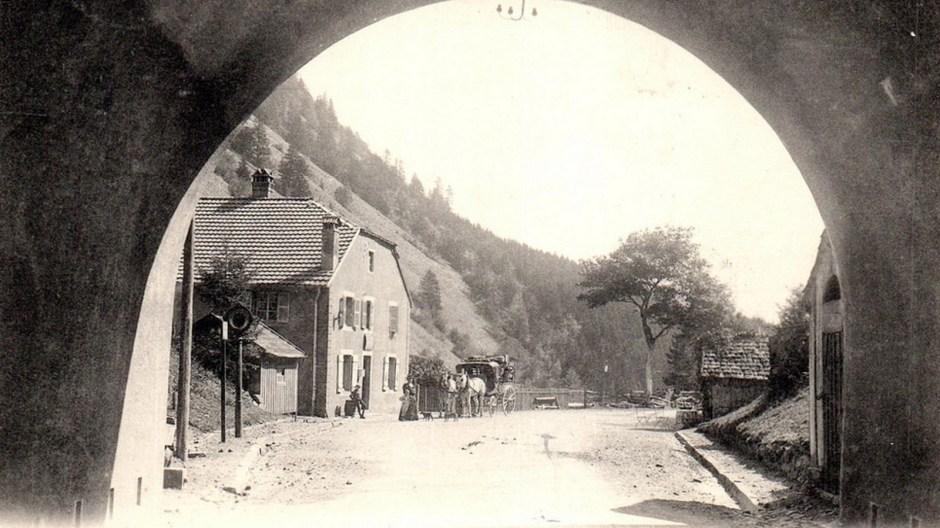 La sortie du tunnel côté Alsacien. A comparer avec la photo ci-dessus.