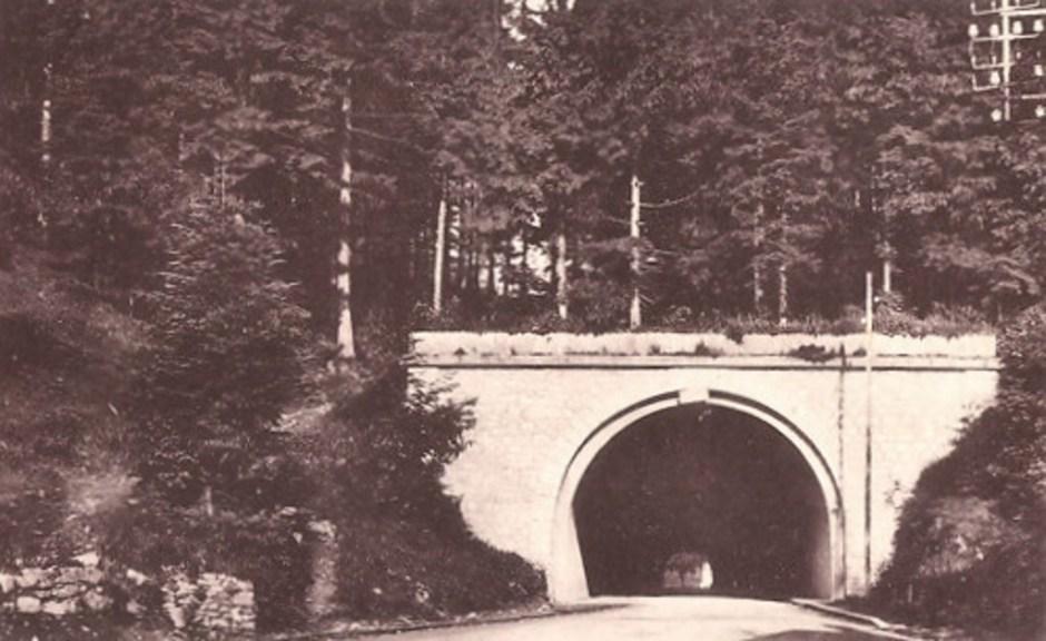 Un des derniers clichés du tunnel dans son état intégral juste avant la 2nde Guerre Mondiale.