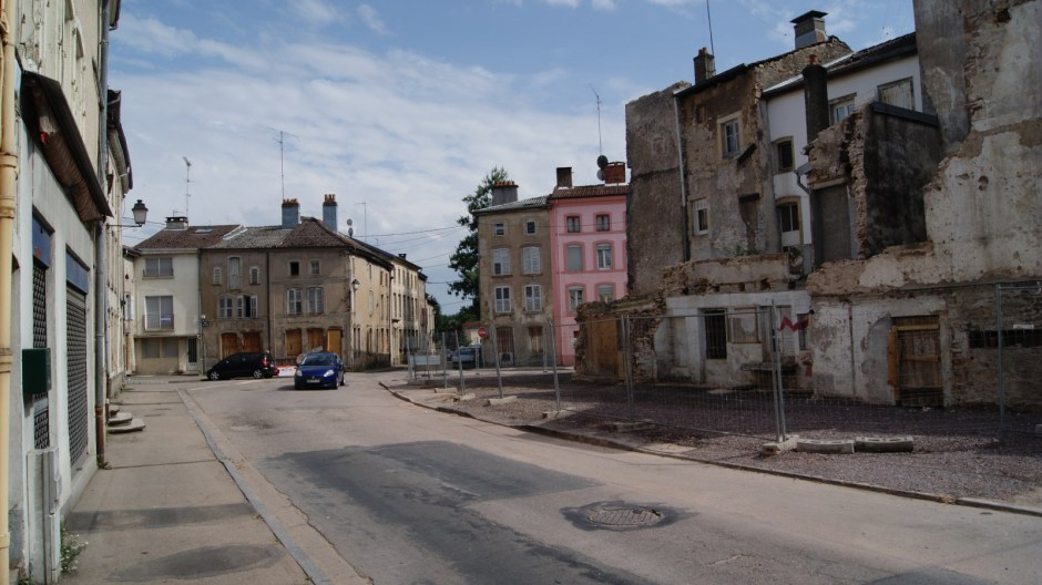 Démolition d'immeubles à Rambervillers.