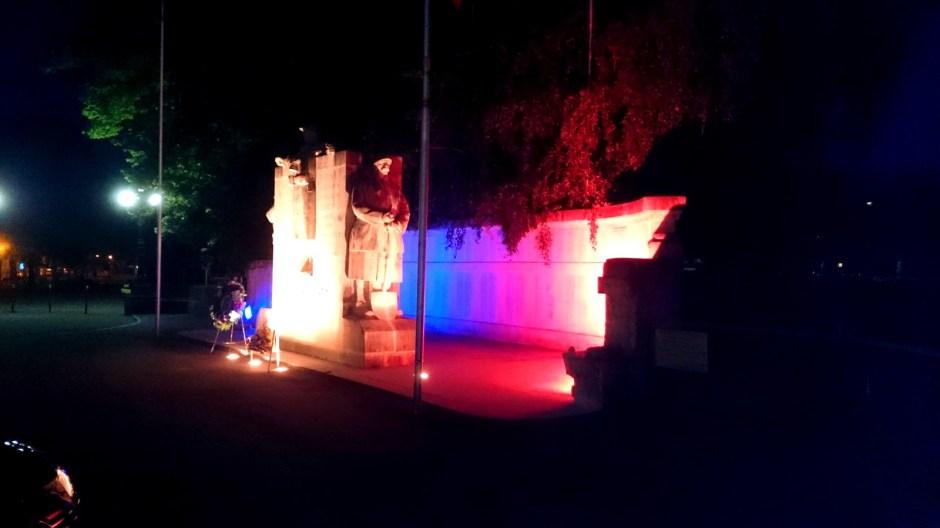 Le monument aux morts Place Foch à Epinal.