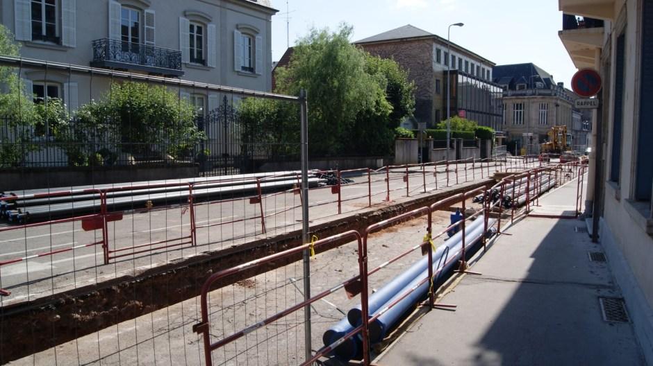 Travaux sur le réseau de chaleur rue de la Louvière à Epinal.