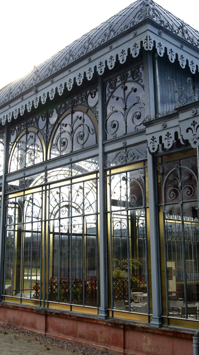 Le pavillon du parc thermal de Martigny-les-Bains.