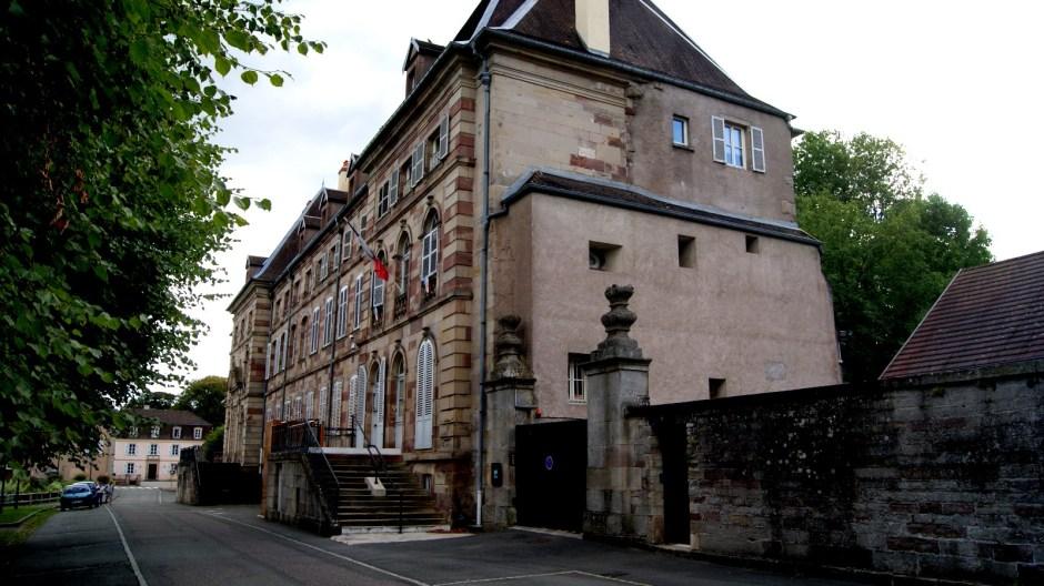 L'ancienne abbaye de Lure.