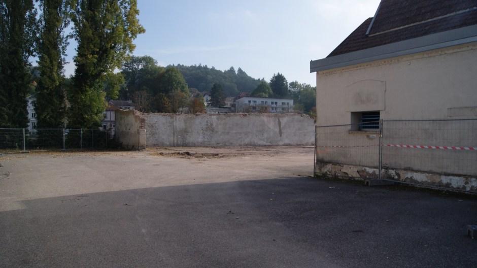Démolition des anciens locaux Bragard à Epinal.