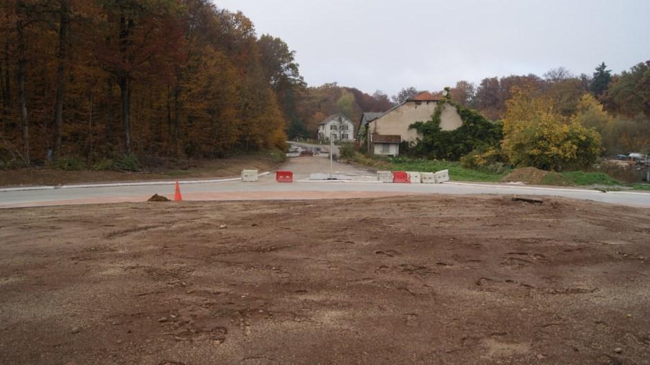 Construction d'un giratoire sur la RD166A à Golbey.