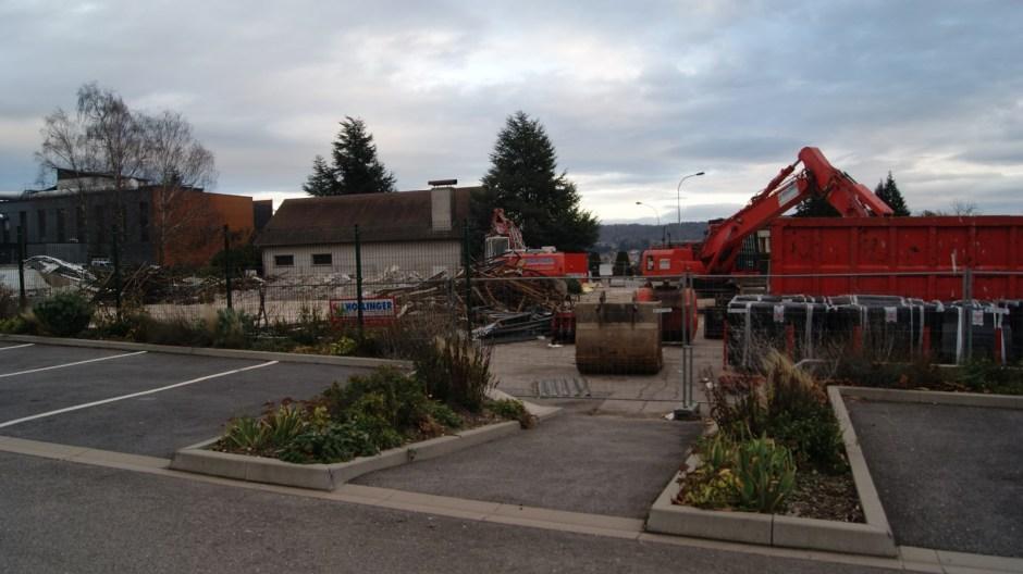 Démolition de l'ancien supermarché ALDI d'Epinal.