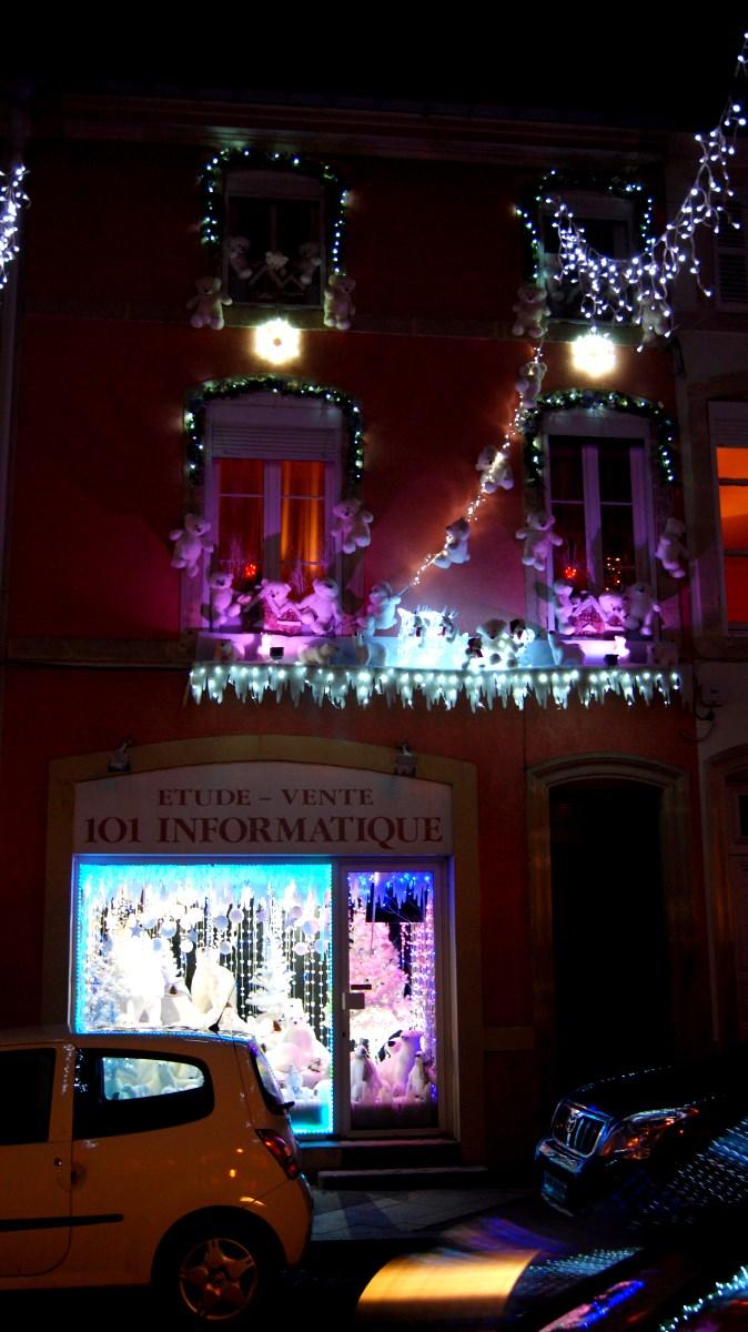 Les illuminations des fêtes de fin d'année à Remiremont 2015.