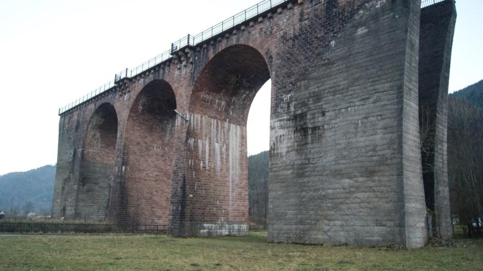 L'ancien projet de la voie ferroviaire d'Urbès et ses ouvrages - viaduc et tunnel.