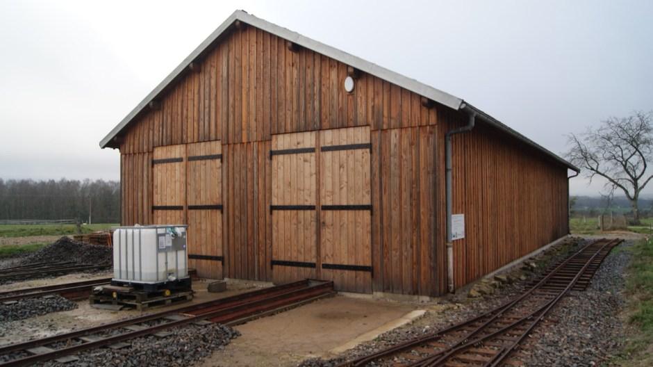 Le hangar de remisage ferroviaire au fort d'Uxegney.