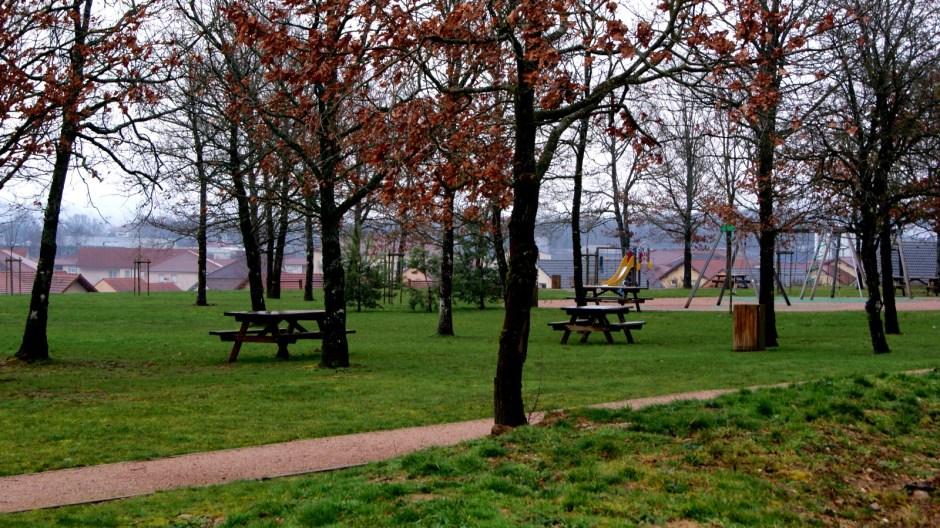 Le parc de loisirs du quartier des Blanchamps à Golbey.