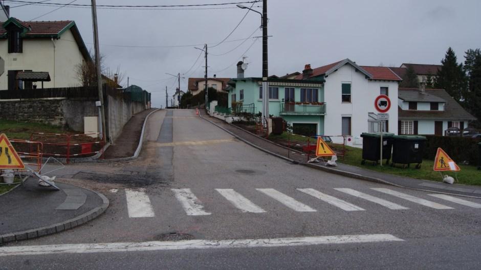 Travaux rue Jean Mermoz à Golbey.
