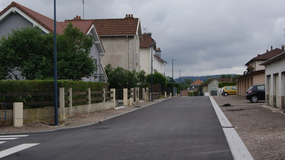 La rue Jean Mermoz en travaux à Golbey.