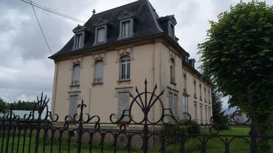 La villa Haxo transformée en une maison de retraite.
