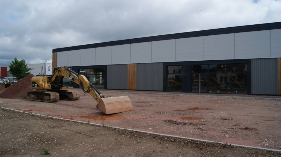 Nouvelles cellules commerciales à Thaon-les-Vosges.