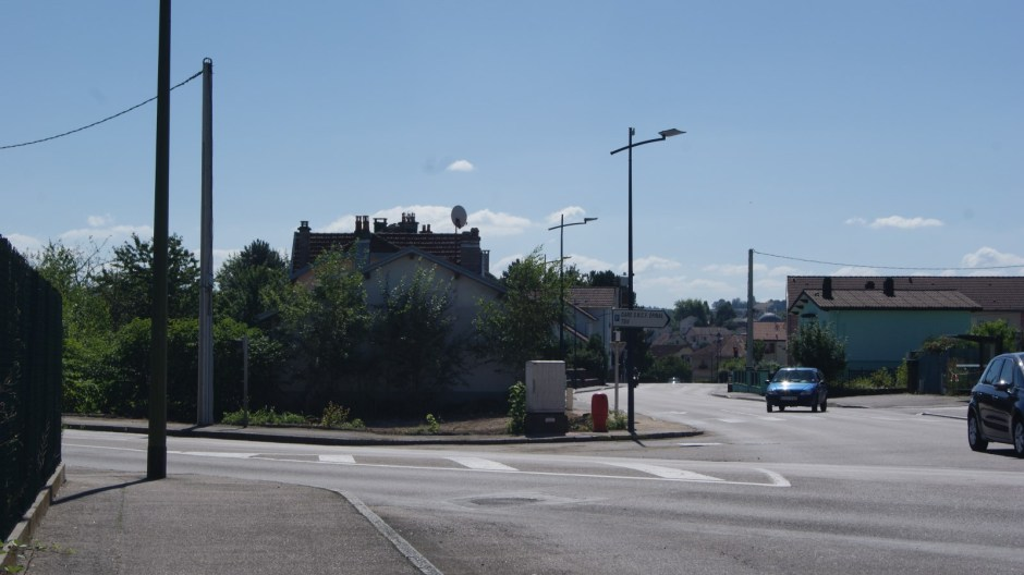 Démolition de la maison au carrefour Galipoli à Golbey.