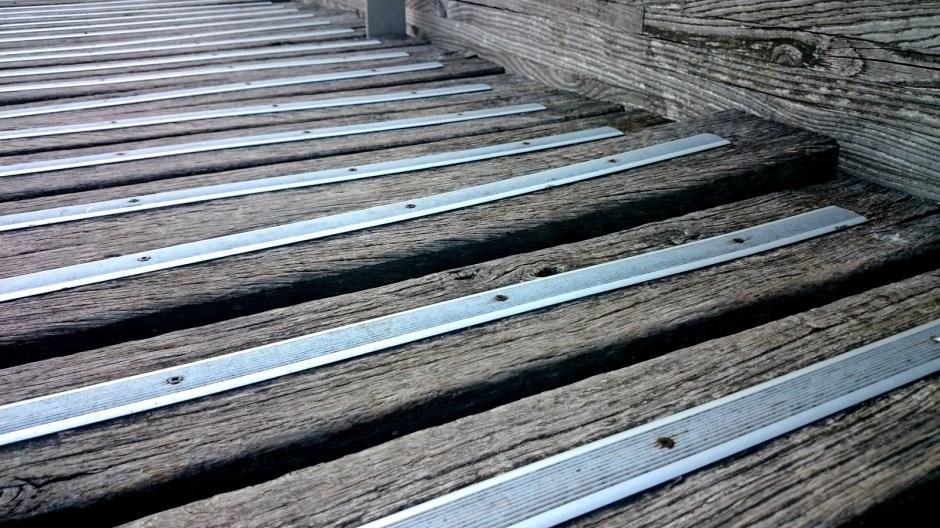 Passerelle en bois ; Port d'Epinal.