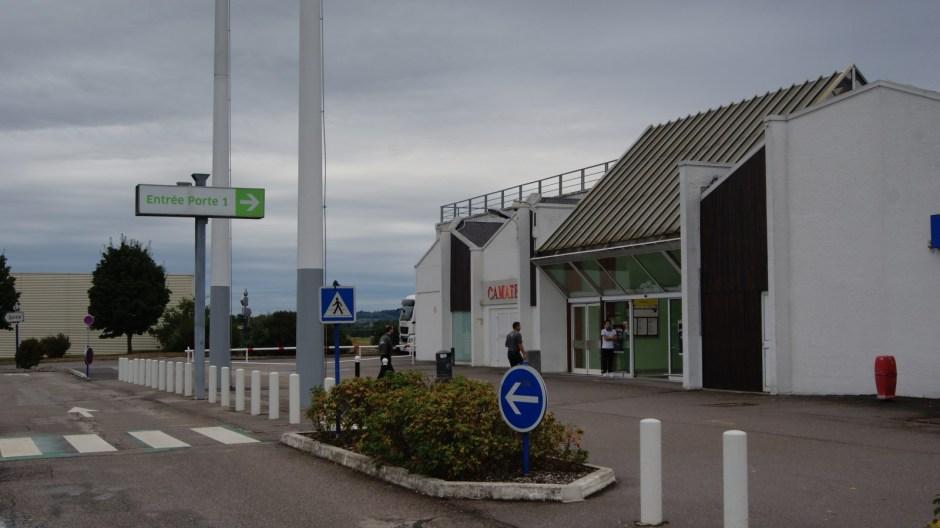 Travaux à l'hypermarché Carrefour Jeuxey.