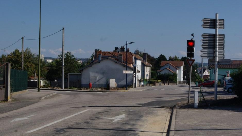 Travaux sur le futur giratoire rue Général Leclerc à Golbey.
