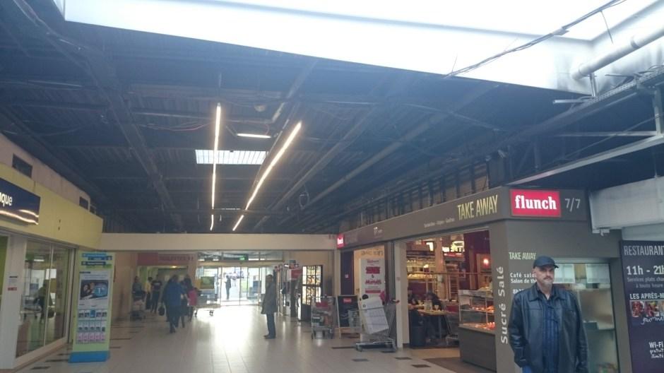 Travaux à l'hypermarché Carrefour Epinal Jeuxey.